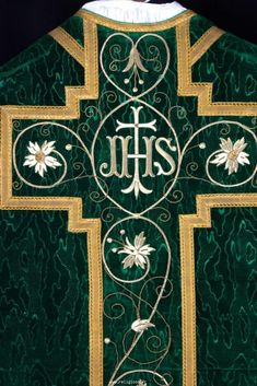 http://www.religiosa.fr/indexGB.php?categ=ornements/chasuble