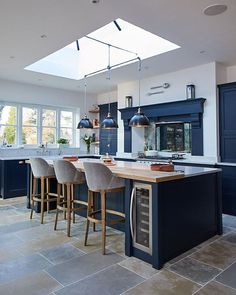 The Biggest Interior Trends for 2019 — LIV for Interiors Open Plan Kitchen Dining Living, Open Plan Kitchen Diner, Living Room Kitchen, Kitchen Layout, Home Decor Kitchen, Home Kitchens, Kitchen Ideas, Luxury Kitchens, Rustic Kitchen
