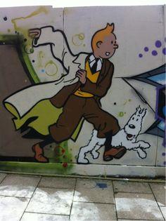 Brighton street-art / graffiti: 'Tintin and his dog Snowy' Urban Street Art, Urban Art, Graffiti Art, Illustrations, Illustration Art, Urbane Kunst, Street Mural, Sidewalk Art, Arte Popular