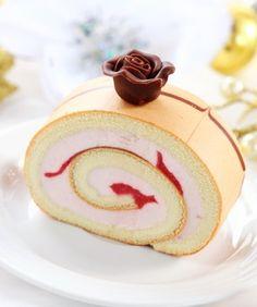 Bûche à la rose et aux litchi - oh yes, it's french!