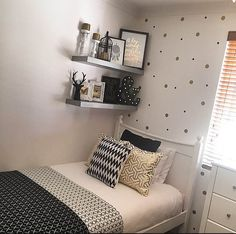girl bedroom makeover 1
