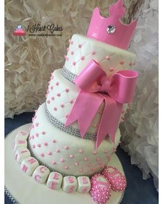 Princess baby shower cake. #princess #princesscake #lovecake #love #fondant #chefsoninstagram #babyshower #babyshowercake #cake #caker #cakes #cakery #cakeart #art #edibleart #bow #tiara #booties #alledible #bling #blocks