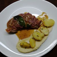 Satimbocca (veal) with parsnip purée and potato - RECIPE