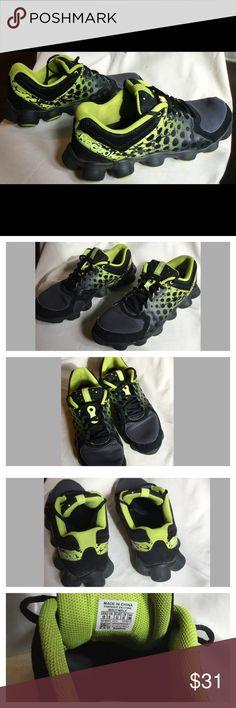 aff6827c566 Men s Reebok ATV Black Neon Green Shoe Just dropped the price! Fall