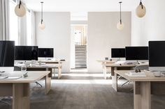 Kinfolk Magazine's Sublime Copenhagen HQ by Norm Architects. Workspace Design, Office Workspace, Office Interior Design, Office Interiors, Home Office, Desk Tidy, Small Office, Corporate Office Design, Office Table