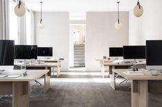 Kinfolk Magazine's Sublime Copenhagen HQ by Norm Architects. Workspace Design, Office Workspace, Office Interior Design, Office Interiors, Desk Tidy, Office Table, Minimalist Office, Minimalist Decor, Interior Design Offices