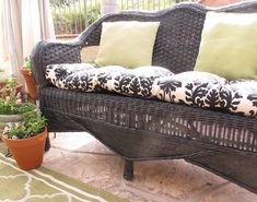 How to paint wicker furniture | My Uncommon Slice of Surbibia