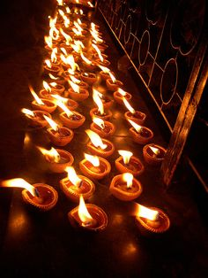 'Amavasya', when the Lord came back with his victory party. The entire city of Ayodhya was lit up with these diyas to signify the victory of good over evil and to welcome their beloved king who was returning after 14 long years of exile. As hundreds of thousands of diyas lit up every lane and house of Ayodhya, darkness vanished and with arrival of Rama, it was as if the Sun had risen at night.