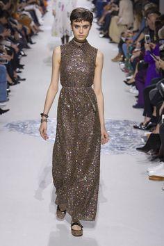 Christian Dior Spring 2018 Ready-to-Wear Fashion Show