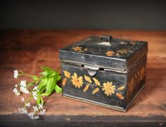 Tole painted box, Vintage spice tin box, antique toleware box, gold tole painting, trinket box, spice box by cristinasroom on Etsy https://www.etsy.com/listing/235619953/tole-painted-box-vintage-spice-tin-box