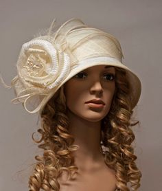 White and ivory vintage style straw cloche hat for by MargeIilane