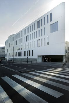 FASSIOVIAUD OFFICE BUILDING IN PANTIN