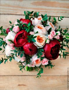 Купить Свадебный букет невесты из живых цветов Винный - букет невесты из цветов