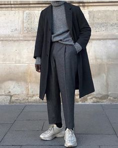 Minimalist Fashion - My Minimalist Living Gucci Outfits, Fashion Outfits, Gucci Sneakers Outfit, Fashion Tips, Men Sneakers, Layering Outfits, Casual Outfits, Look Fashion, Korean Fashion