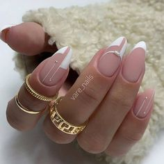 Classy Nails, Simple Nails, Trendy Nails, Cute Nails, May Nails, Work Nails, Minimalist Nails, Nail Swag, Almond Acrylic Nails