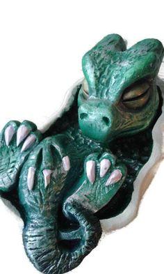 """Drachen Skulptur ,, Fritz """" Keramik Figur gartenwichtel Ton Figur Ton Drache Baby Drache"""
