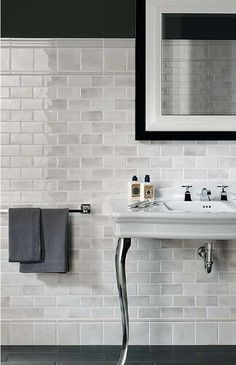 Bathroom Remodeling Ideas – The most popular technology products like the Apple Watch or iPhone 6, the Tesla S sportscar or a Bang and Olufsen BeoVision TELEVISION all have something alike: the current in innovative, modern-day layout. Take the features that make them hot, like minimal liquid lines and the most up to date tech– and also use them for your bathroom remodeling ideas. #bathroom #remodeling #ideas
