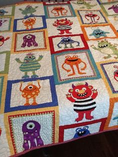 Monster Quilt Boys Blanket - Scary Monsters - Don't Be Afraid Fabric - Blue Orange Green Red Quilt Baby, Quilting Projects, Sewing Projects, Boy Blankets, Scary Monsters, Sewing Appliques, Applique Quilts, Baby Sewing, Quilt Making