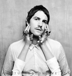 hey.. woah.. get your filthy paws off my Jim Sturgess! :P