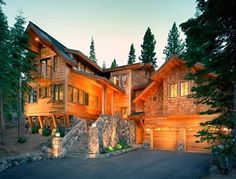 😍If I could ever build a home in Tahoe it would look something like this Log Cabin Living, Log Cabin Homes, Log Cabins, Future House, My House, Timber House, Cottage, My Dream Home, Dream Homes