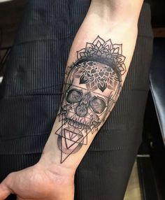 32 Unique Wrist Tattoos For Guys – Sleeve Ideas – Wrist Designs Tattoo Girls, Girls With Sleeve Tattoos, Arm Tattoos For Guys, Mandala Arm Tattoo, Mandala Tattoo Design, Trendy Tattoos, Cool Tattoos, Simple Mens Tattoos, Boss Tattoo