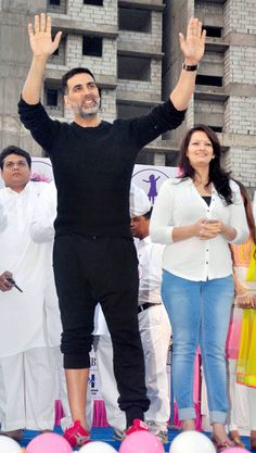 Akshay Kumar flags off Bramhakumari Sakhi Minithon 2015 Bollywood Stars, Bollywood Fashion, Akshay Kumar Photoshoot, Akshay Kumar Style, Celebrity Photos, Celebrity Style, Actor Picture, Hrithik Roshan, Beautiful Indian Actress