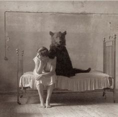 26 Weird Vintage Photos from the Creepy Olden Days 1 Vintage Abbildungen, Weird Vintage, Vintage Oddities, Vintage Pictures, Old Pictures, Old Photos, Rare Photos, Bizarre Pictures, Vintage Photos Women