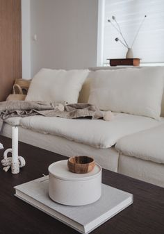 Bemz sofa cover Sofa Covers, Winter White, Interior Inspiration, Couch, Living Room, Interior Design, Rose, Pretty, Furniture