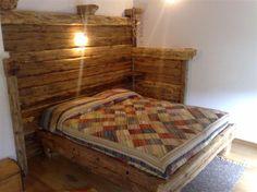 Letto antico in legno