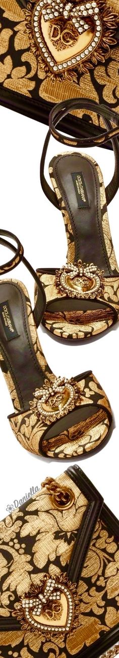 Dolce & Gabbana Online Store, shop on the official store exclusive clothing and accessories for men and women. Gold Fashion, Fashion Shoes, Luxury Fashion, Exclusive Clothing, Current Fashion Trends, Types Of Girls, Cool Sunglasses, Glamour, Handbag Accessories
