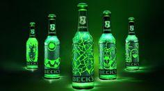 Magnífica la idea que han tenido en Beck's con la ayuda de la agencia de publicidad BBDO. Y es que es que esta marca de cerveza, ha creado el primer packaging de un botellín de cerveza que es personalizable con sólo arañarlo con la uña. Todo se debe al problema que tiene su imagen de marca, ya …