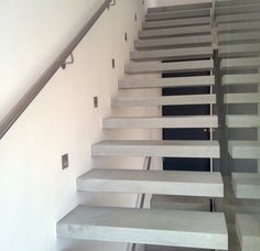 concrete cantilevered stairs
