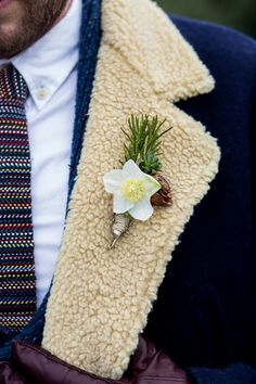 Christmas rose (black hellebore) boutonniere (Flowers: The Local Bouquet) - Rhode Island Winter Wedding Inspiration by Sweet Deets Events (Event Design and Styling) + Alyssa Wood of Isa Images Photography Studio - via ruffled Winter Boutonniere, Groom Boutonniere, Boutonnieres, Daffodil Wedding, Wedding Flowers, Flower Beard, Winter Wedding Inspiration, Style Inspiration, Christmas Rose