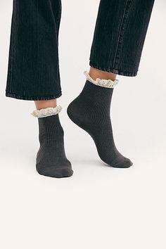 Foot Traffic Romantic Lace Trim Anklet White Womans Crew Cotton Blend Socks New