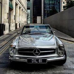 "8,414 Likes, 28 Comments - Mercedes-Benz Museum (@mercedesbenzmuseum) on Instagram: ""Design-Icon! Mercedes-Benz 280 SL (W113) Pagoda - Photo by @georgesmith85 #Mercedes #MercedesBenz…"""