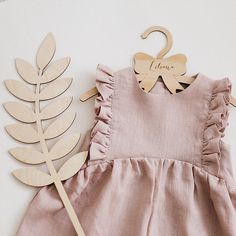 Powder linen ruffle romper – About Children's Clothing Outfits Niños, Baby Outfits, Toddler Outfits, Kids Outfits, Fashion Kids, Little Girl Fashion, Toddler Fashion, Fashion Clothes, Fashion Women