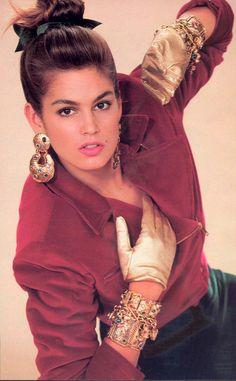 """Los años 80 firman la era de la """" pasta y de la pamema """" en materia de moda: altos en color, los guardarropas abandonan las posturas prudentes en provecho de las desorganizacione…"""