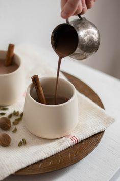 10 beste afbeeldingen van Warme chocolademelk recept in 2019