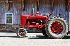 Nice picture of a Farmall (Mike Ewing)