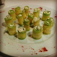 Calabacines rellenos de queso crema  #Aperitivo #TapeoEnBadajoz #Tapas #DeCañas