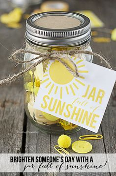 Mason Jar Gift Idea - Jar Full of Sunshine  by livelaughrowe.com