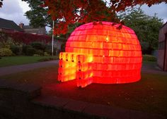 Image of the Day: igloo made of recycled water jugs | DVICE