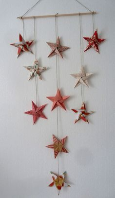 mobile 10 étoiles en origami pour décoration murale chambre bébé fille garçon enfant - rouge, or,noir, vert - cadeau : Jeux, peluches, doudous par papierelief