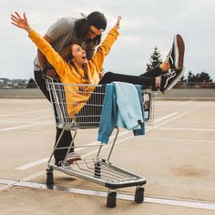80 Engagement Photo Ideas to Steal From Couples Who Totally Nailed It Goofing off in a shopping cart makes for a playful pic that shows off this couple's young at heart vibes. Funny Couple Poses, Couple Photoshoot Poses, Couple Photography Poses, Funny Couples, Couple Posing, Couple Shoot, Friend Photography, Photoshoot Ideas, Maternity Photography
