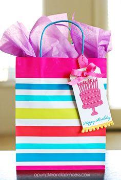 Embossed Happy Birthday Gift Tag using #lifestylecrafts #detailz dies