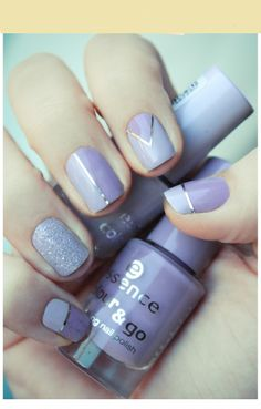 purple nail art :D
