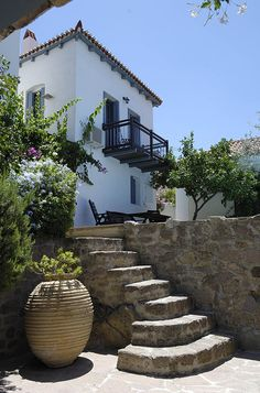 Sto Roloï, holidays in Poros - Jacoline's Small Hotels in Greece Greece House, Small Hotels, Greece Itinerary, Greece Hotels, Desert Homes, European Vacation, Village Houses, Boutique Hotels, Next At Home