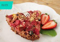 super easy recipe:  Strawberry Rhubarb Pie with Granola Crust