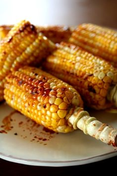 Teriyaki grilled corn with a little bit of butter, Japanese summer food|焼きとうもろこし