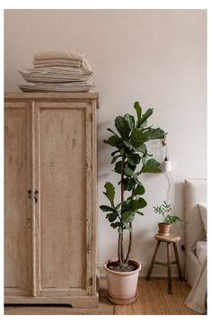 Minimalism Living, Decoration Chic, Style Deco, Vintage Wardrobe, Modern Wardrobe, Wardrobe Design, Wardrobe Ideas, My New Room, Cheap Home Decor